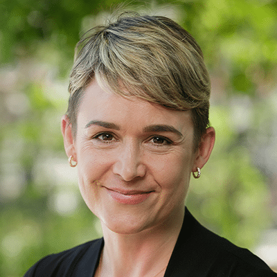 Dr-Catherine Auer